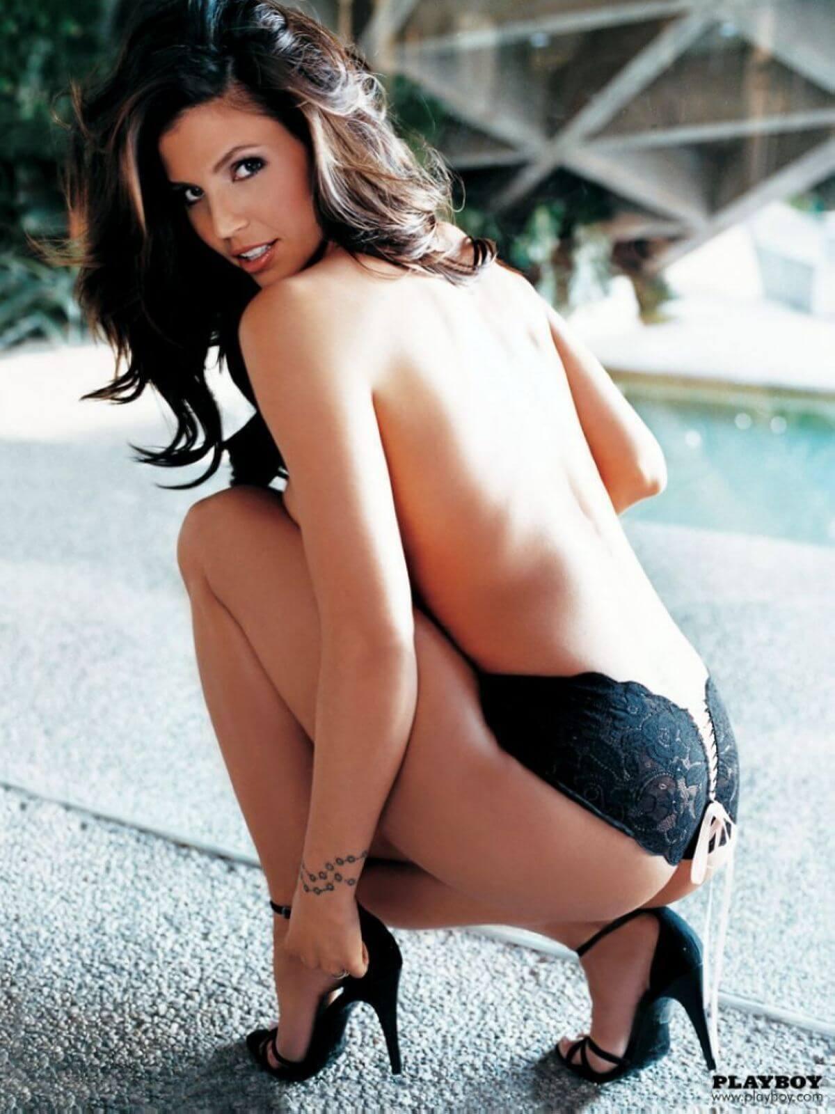 Charisma Carpenter sexy ass pics