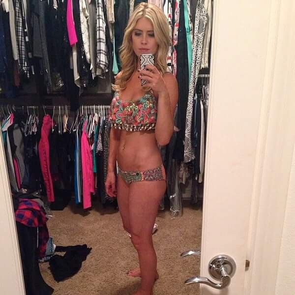 Christina Anstead sexy cleavage pics