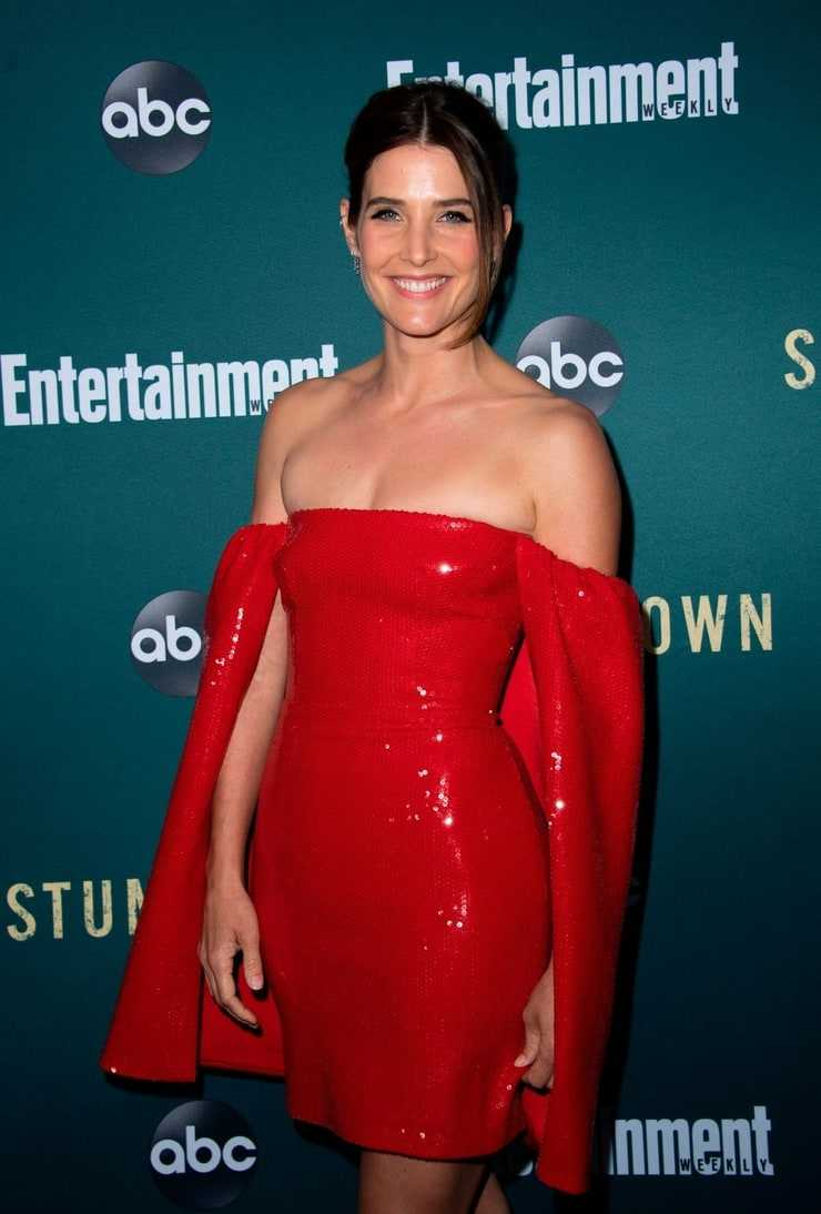 61 Sexiest Cobie Smulders Boobs Pictures Are A Feast For Your Eyes Geeks On Coffee