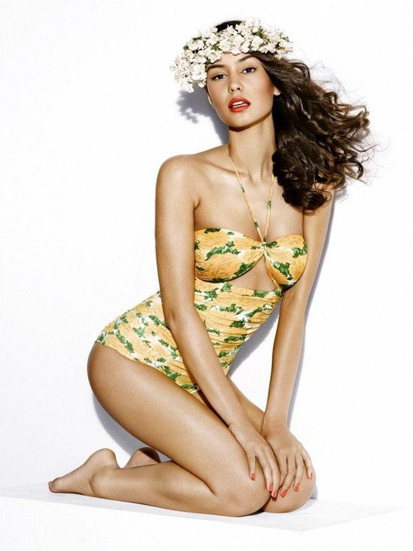 Courtney Eaton sexy lingerie pics