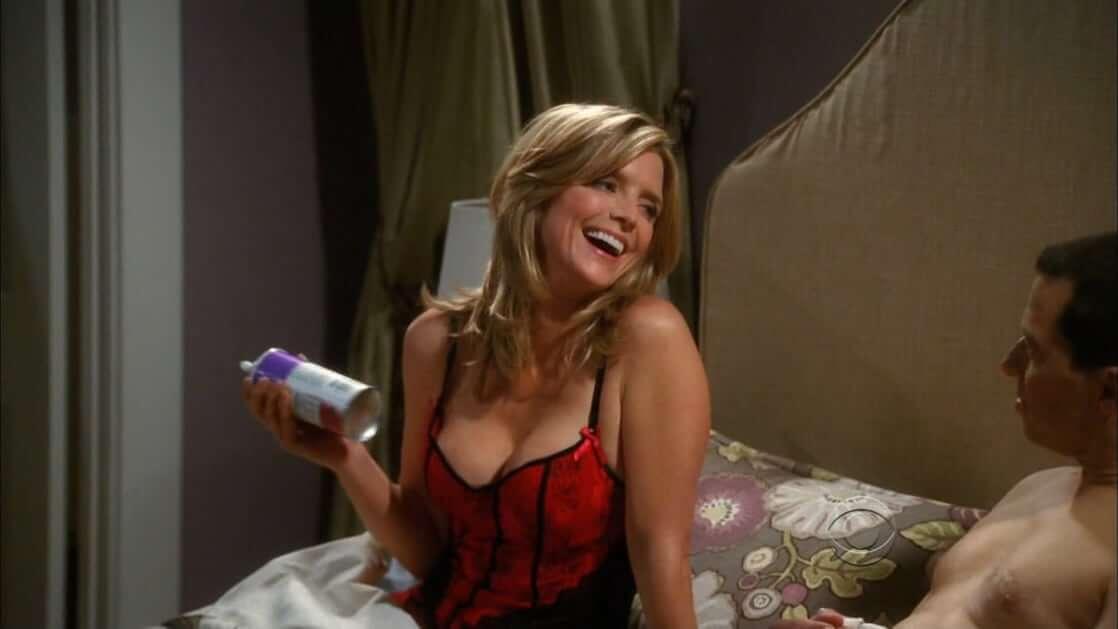 Courtney Thorne-Smith hot photo (2)