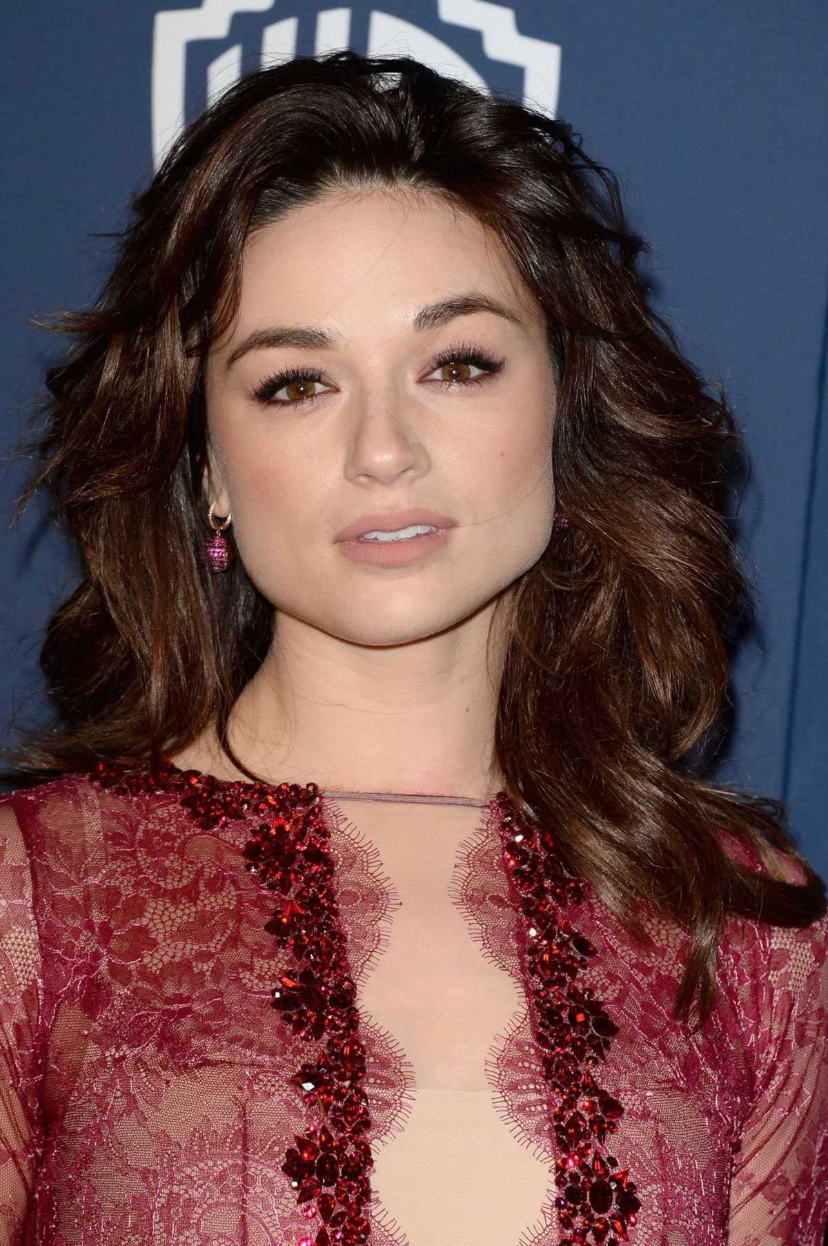 Crystal Reed sexy (1)