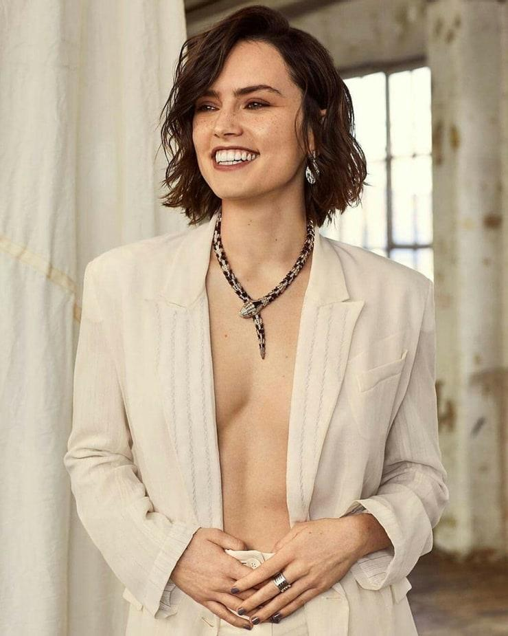 Daisy Ridley hot pic