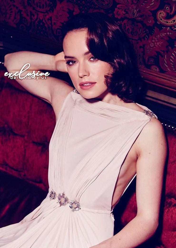 Daisy Ridley sexy photo (2)