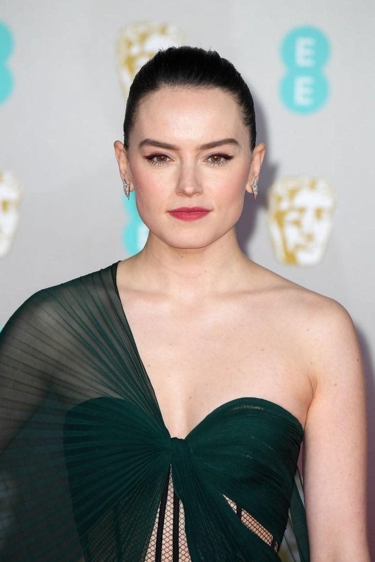 Daisy Ridley sexy photo