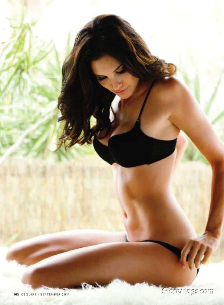 Daniela Ruah sexy bikini pics