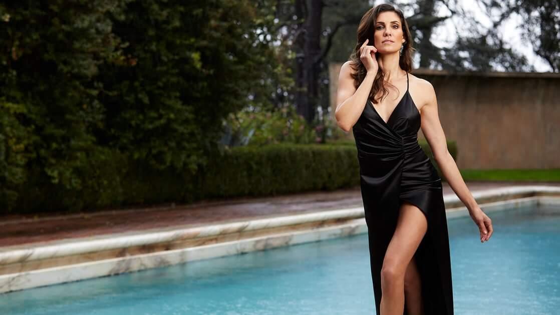Daniela Ruah sexy look pics