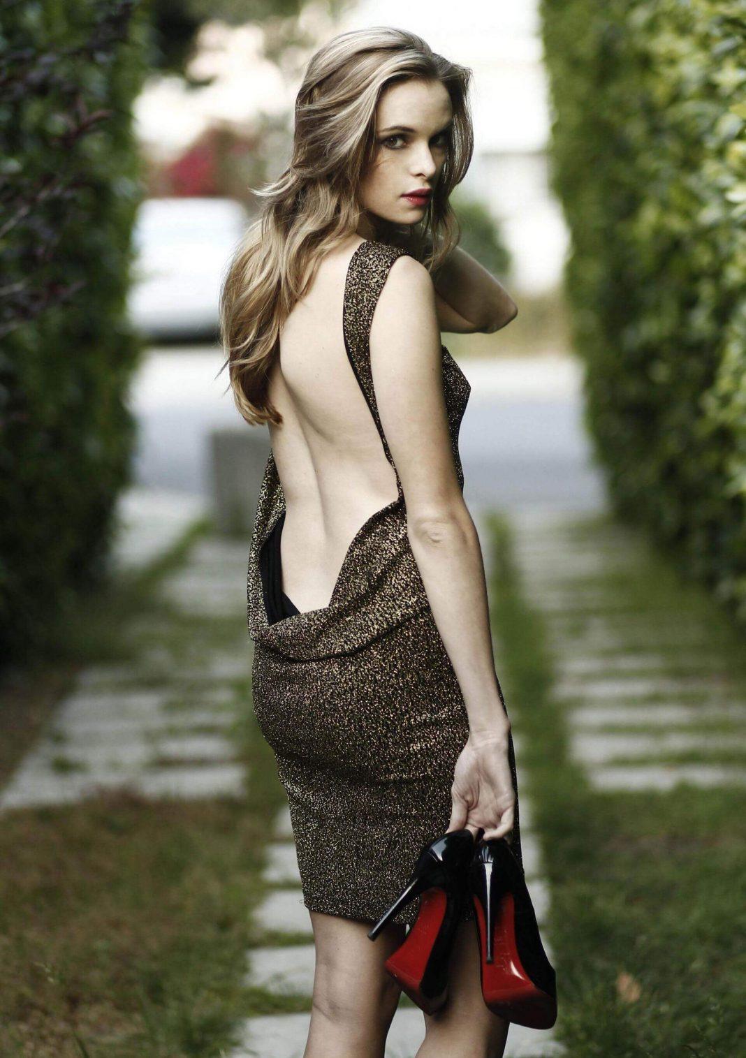 Danielle Panabaker sexy butt pics