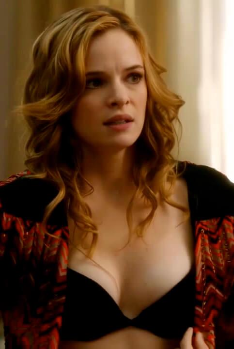 Danielle Panabaker sexy cleavage pics