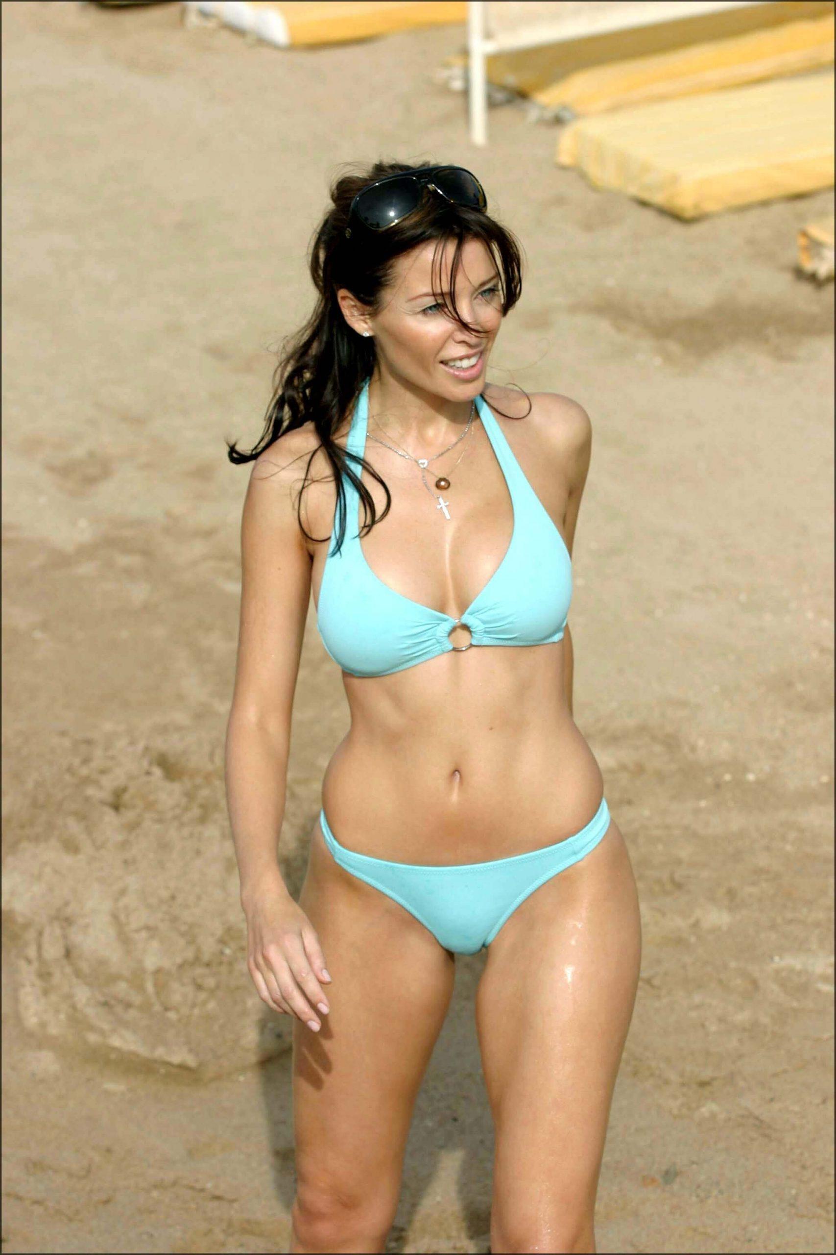 Dannii Minogue bikini pics