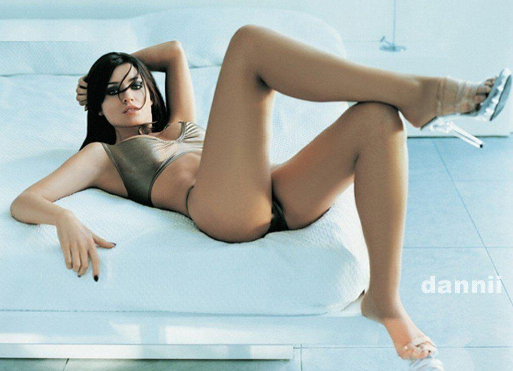 Dannii Minogue hot pics
