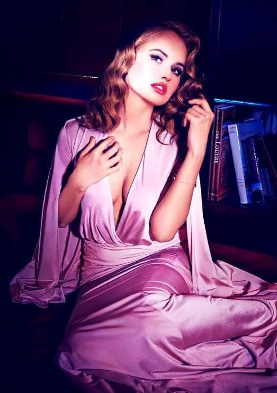 Debby Ryan hot look pics