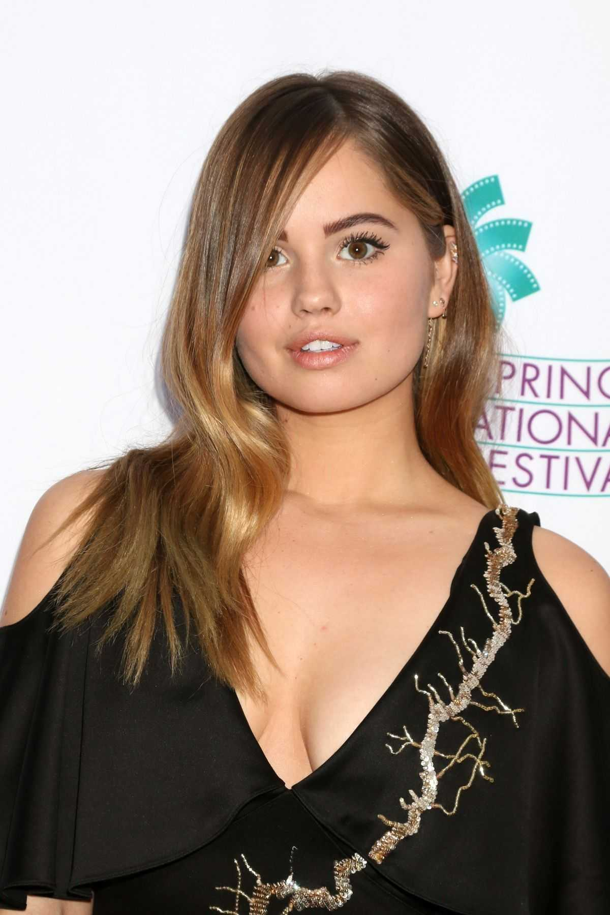 Debby Ryan sexy cleavage pictures