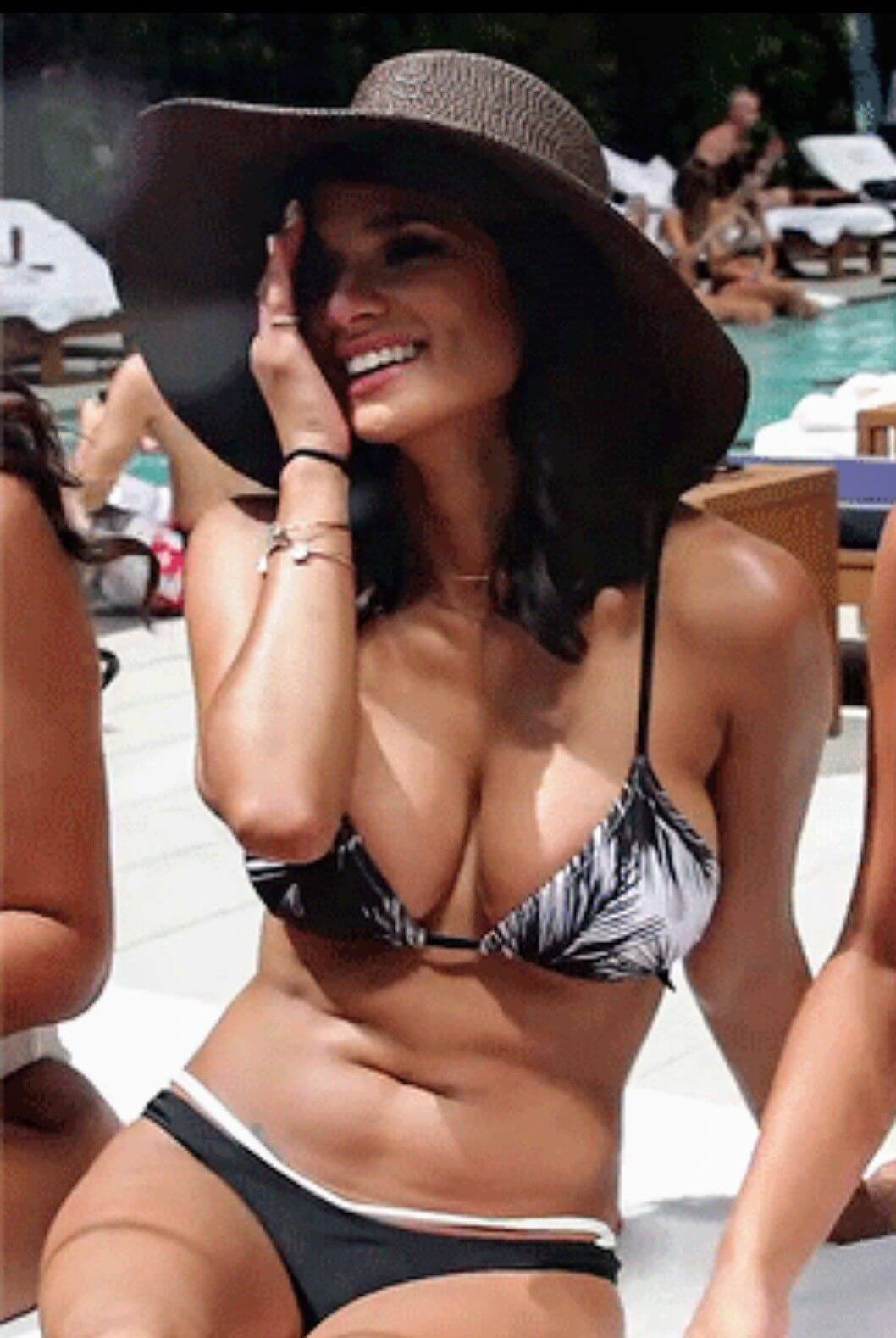 Diane Guerrero sexy bikini pic