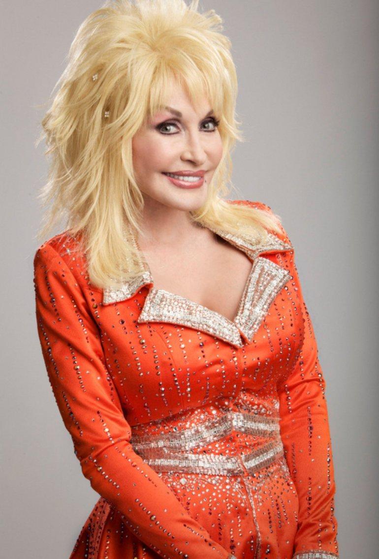 Dolly Parton hot look pic (2)