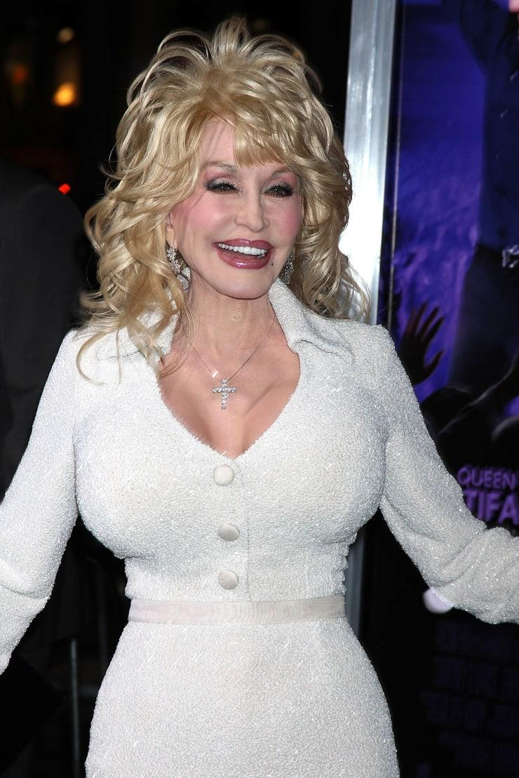 Dolly Parton hot picture