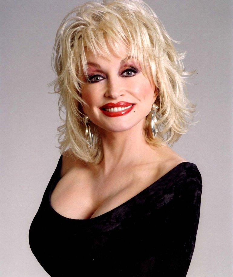 Dolly Parton sexy cleavage