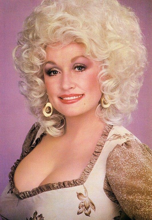 Dolly Parton sexy photo (2)