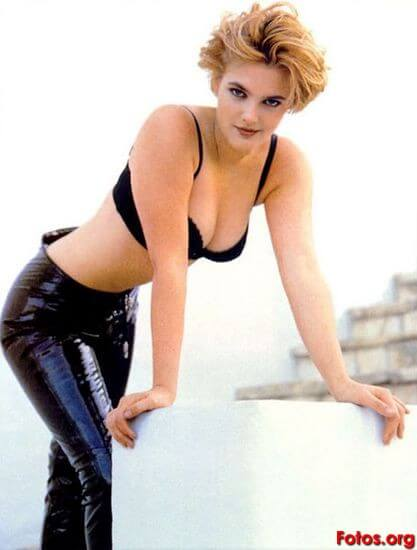 Drew Barrymore sexy cleavage pic