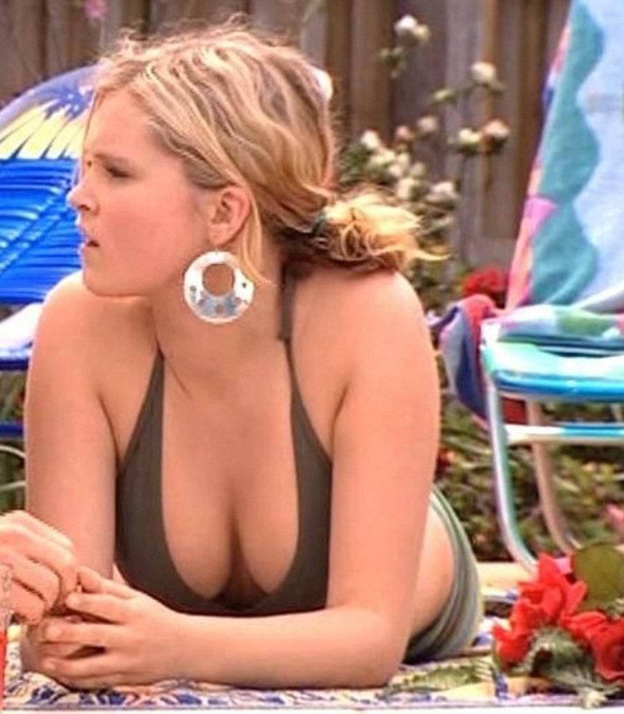 Eliza Taylor sexy pic