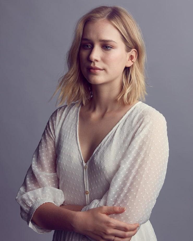 Elizabeth Lail hot photos
