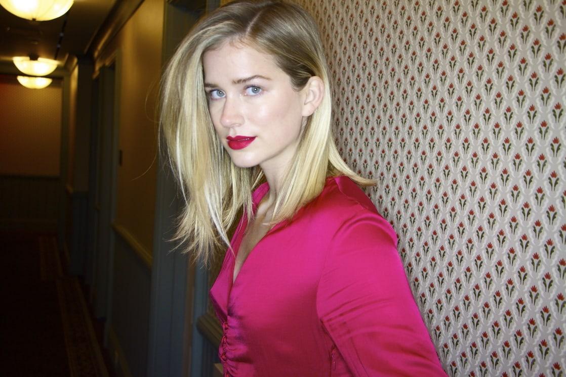 Elizabeth Lail sexy look pics