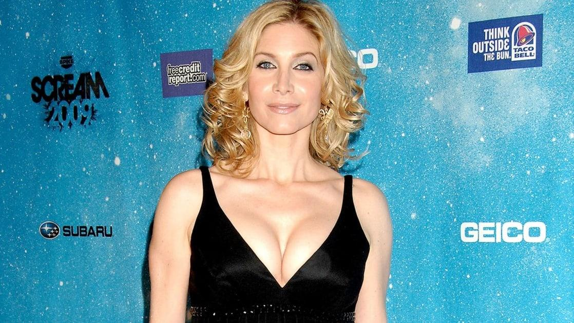 Elizabeth Mitchell sexy cleavage pics