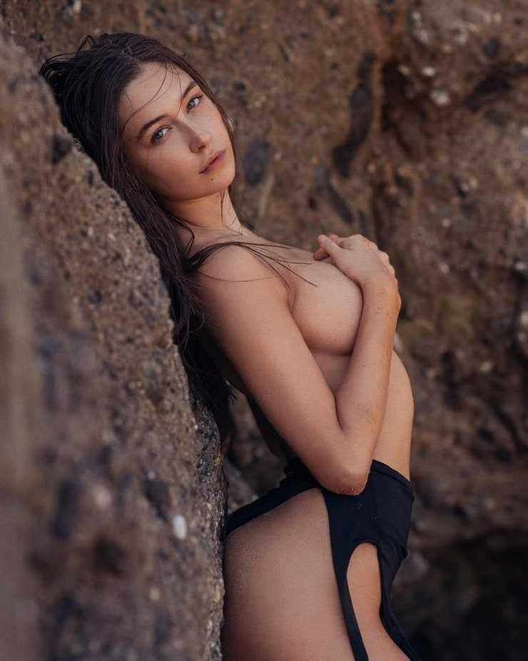 Elsie Hewitt naked pics