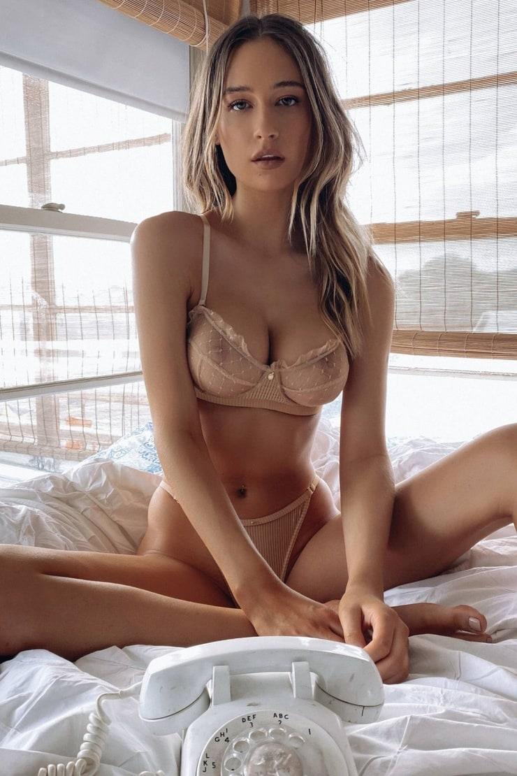 Elsie Hewitt nipples pics