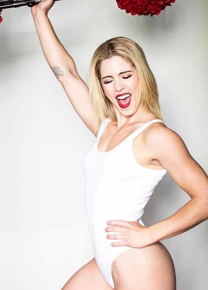Emily Bett Rickards hot look