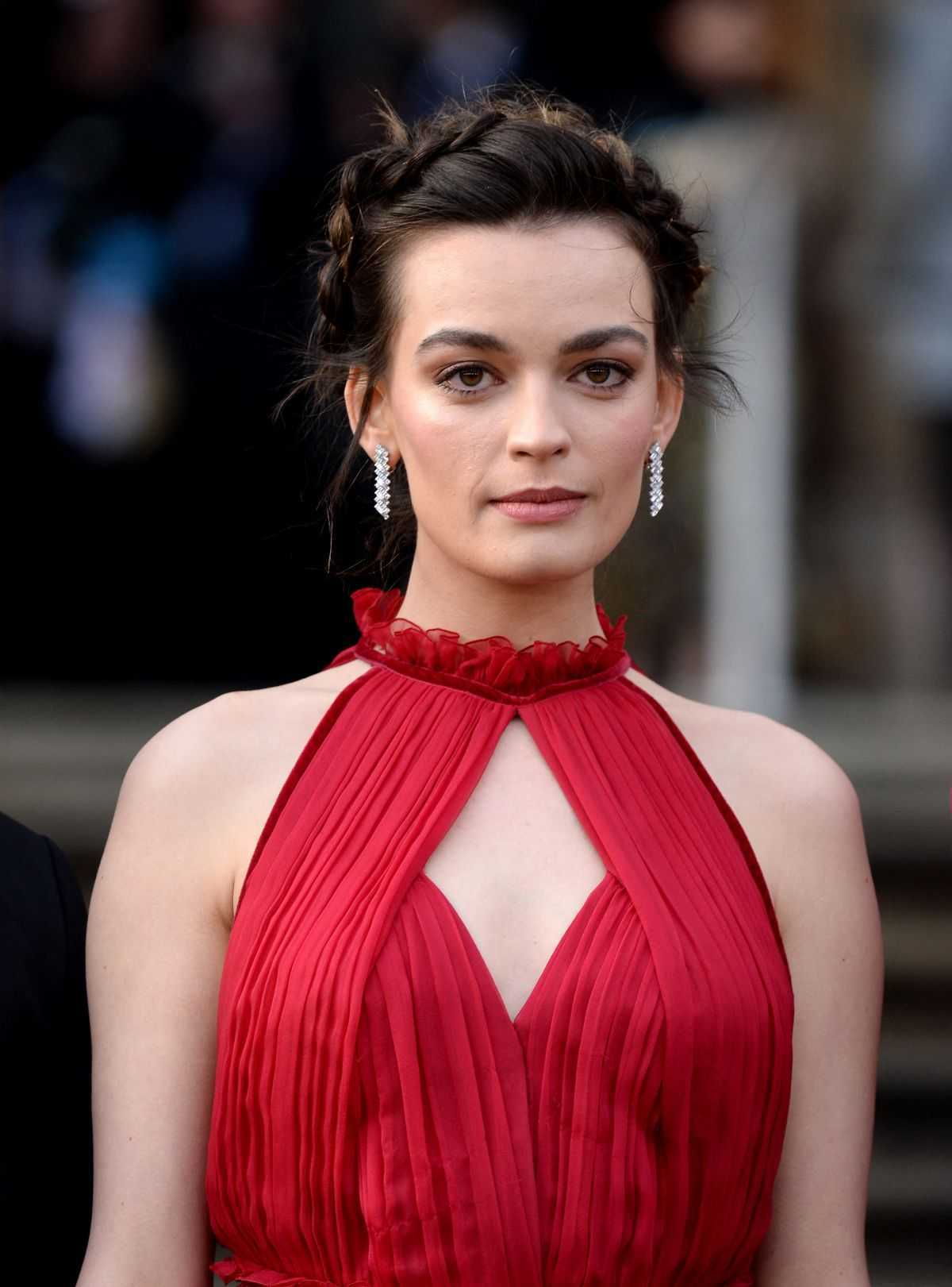 Emma Mackey sexy red dress pic