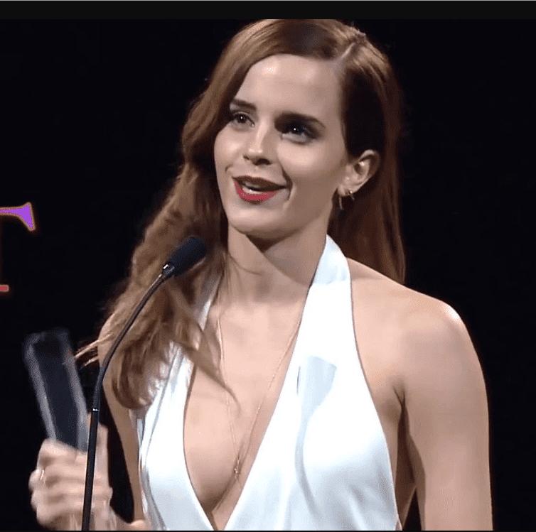 Emma Watson sexy cleavage
