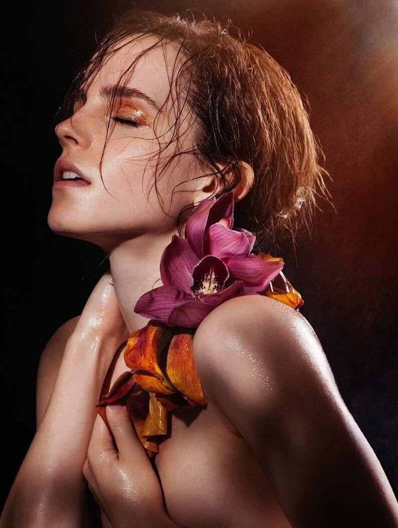 Emma Watson sexy look pic