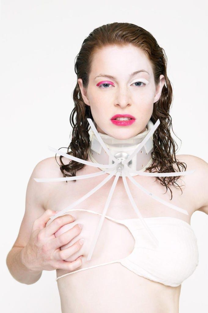 Esmé Bianco topless pics