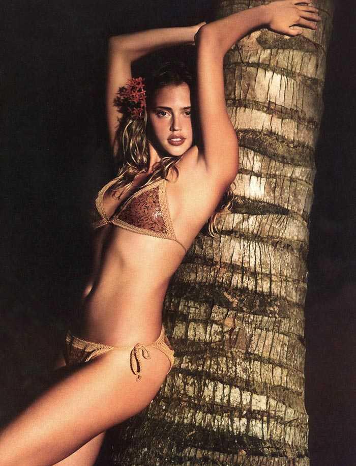Estella Warren hot look pics