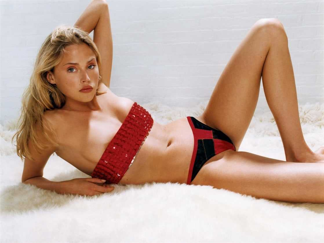 Estella Warren hot red bikini pics