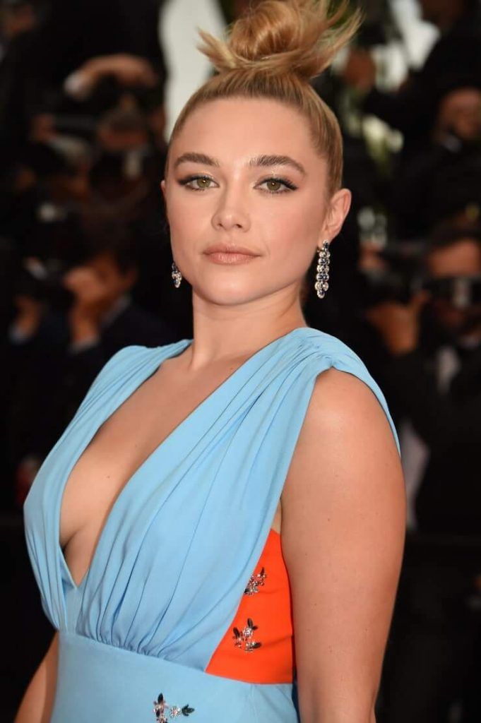 Florence Pugh sexy look pics