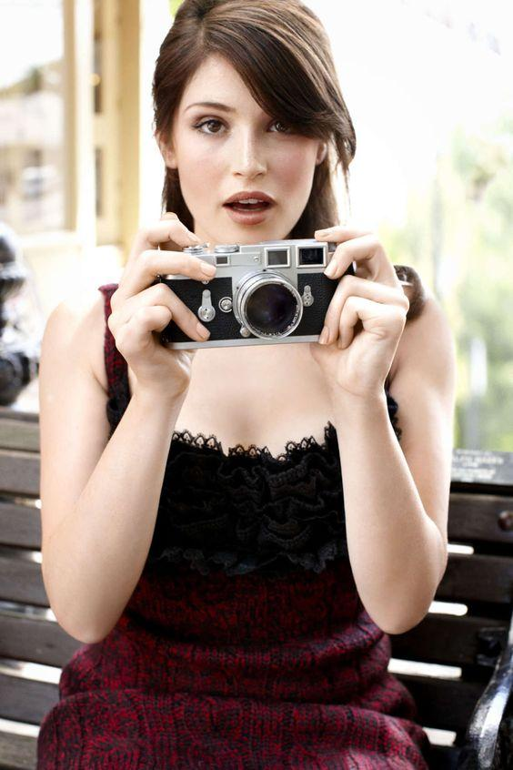 Gemma Arterton sexy pics