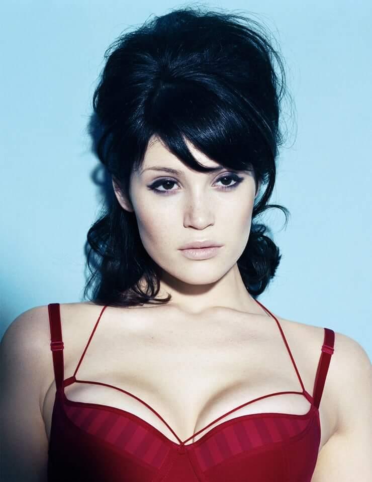 Gemma Arterton sexy tits pictures
