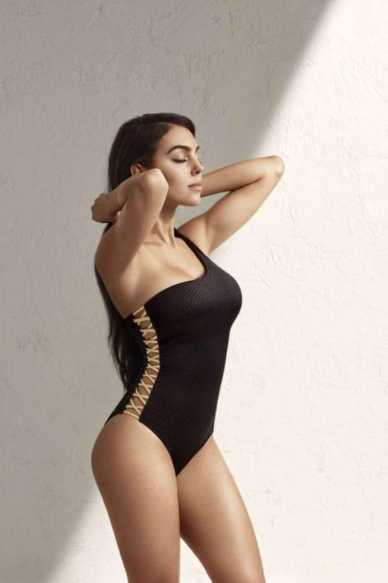 Georgina Rodriguez hot look pic