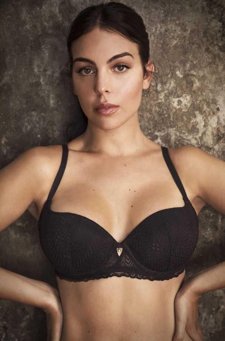 Georgina Rodriguez hot look