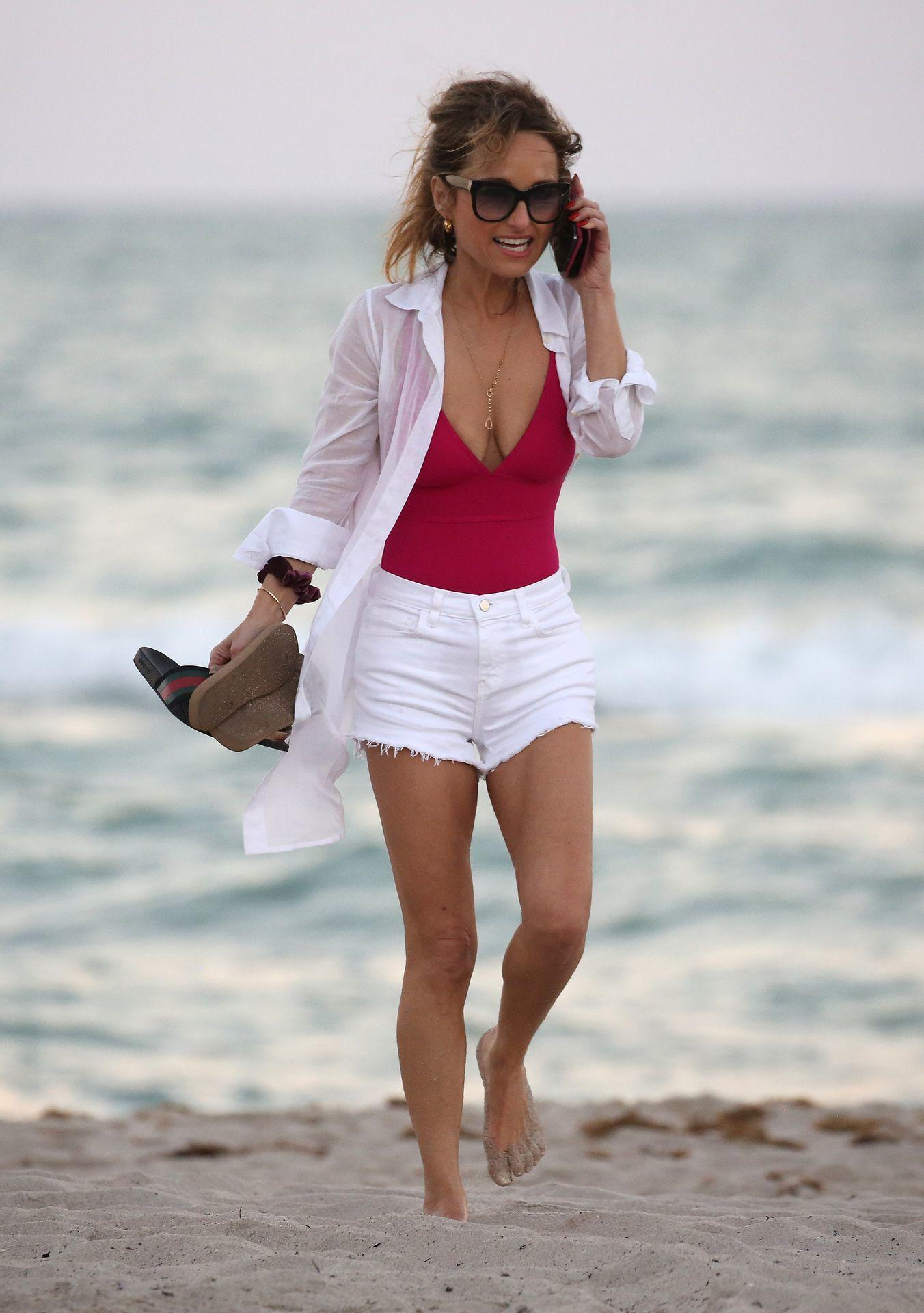 61 Sexiest Giada De Laurentiis Boobs Pictures Are Just The Right Size To Look And Enjoy - GEEKS ...