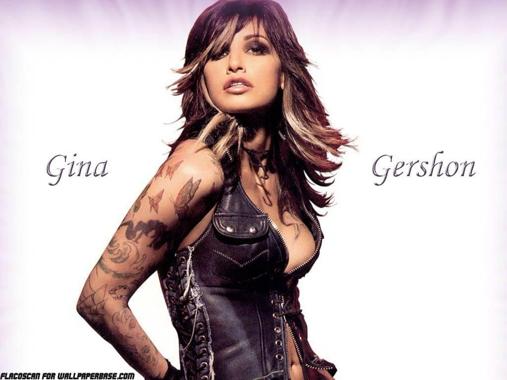 Gina Gershon sexy side boobs pics