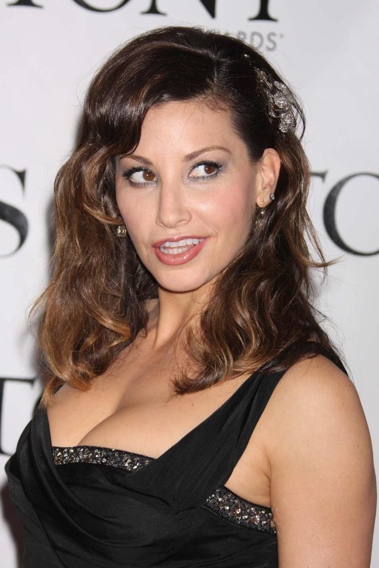 Gina Gershon sexy tits pics