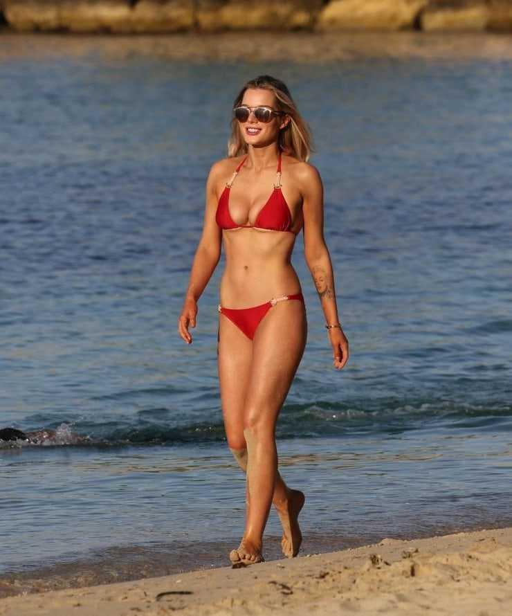 Helen Flanagan hot legs