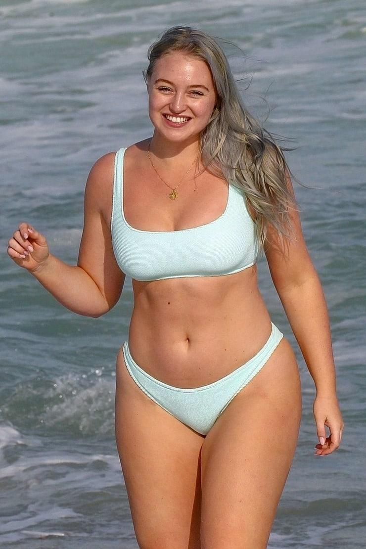 Iskra Lawrence hot bikini pic
