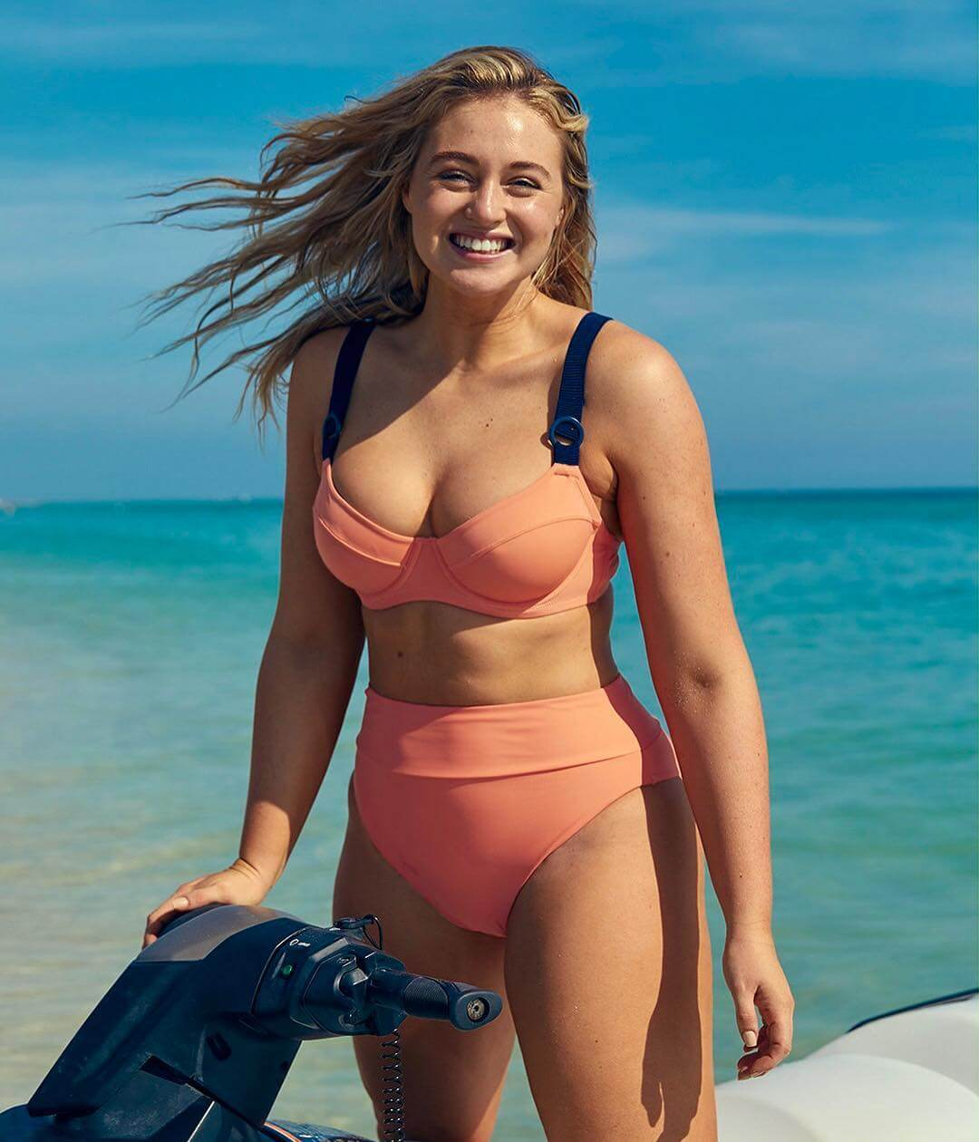Iskra Lawrence sexy pic