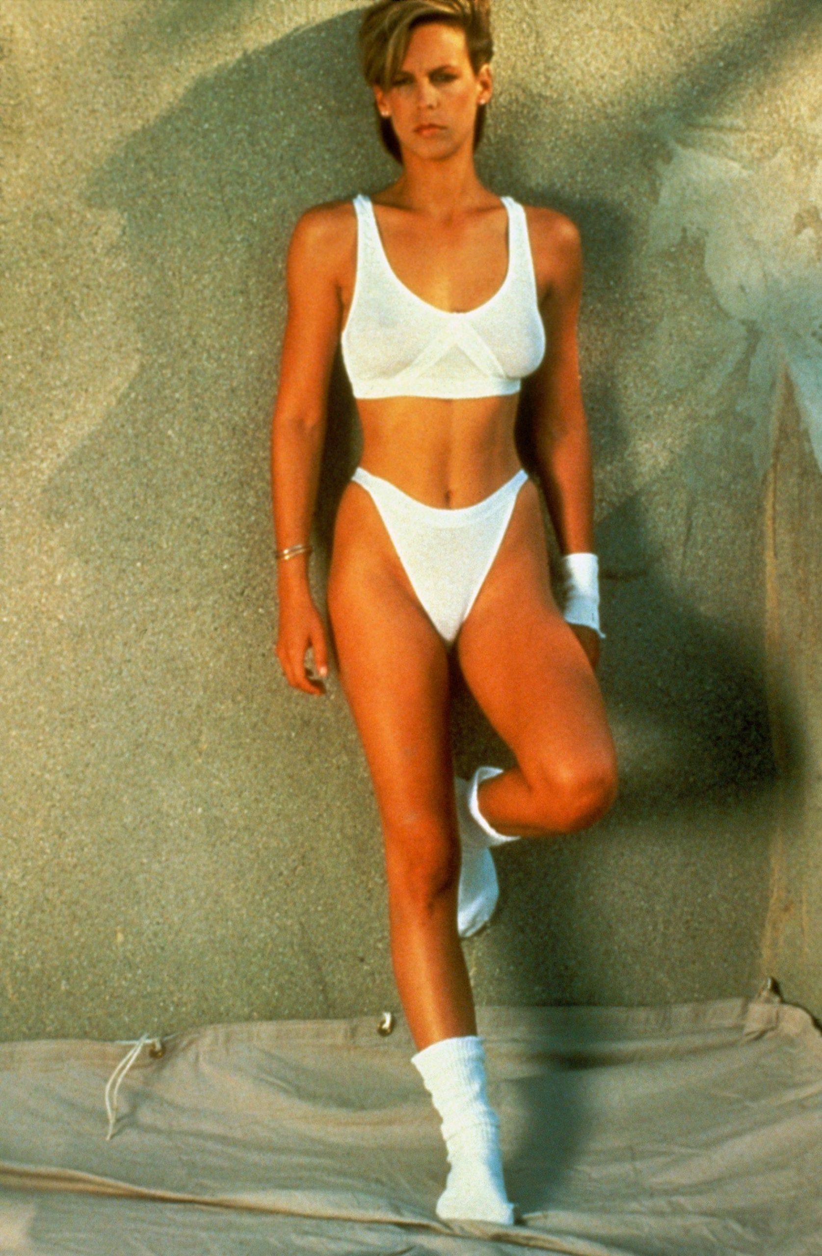 Jamie Lee Curtis bikini pic