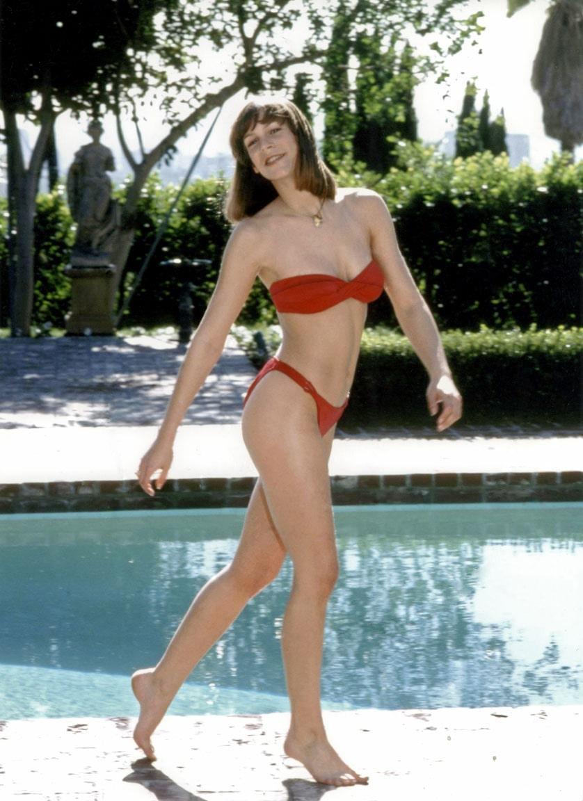 Jamie Lee Curtis sexy bikini pic