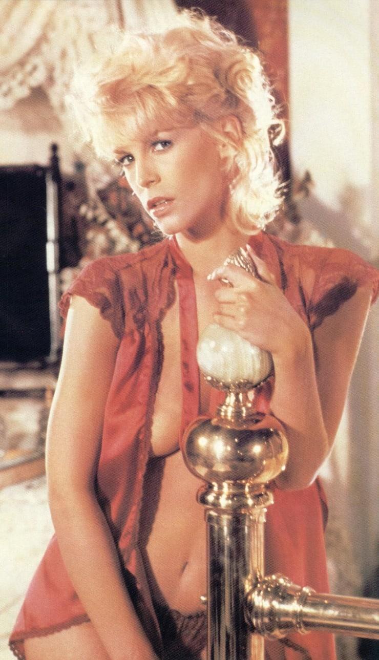 Jamie Lee Curtis sexy photo
